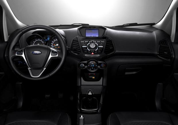 Ford EcoSport restyling 2015 interni