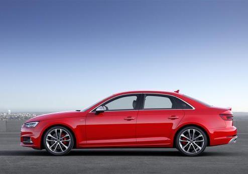 Nuova Audi S4 profilo