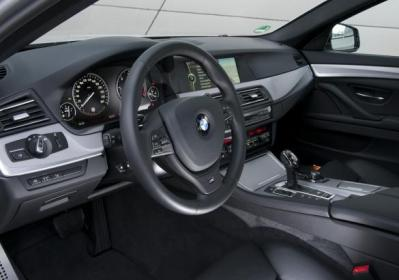 BMW M 550d interni