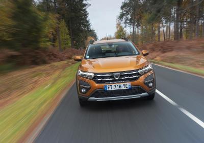 Dacia Sandero GPL Stepway: prova, consumi e prezzi dell'utilitaria economica a gas