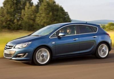 Nuova Opel Astra 5 porte my 2014 profilo