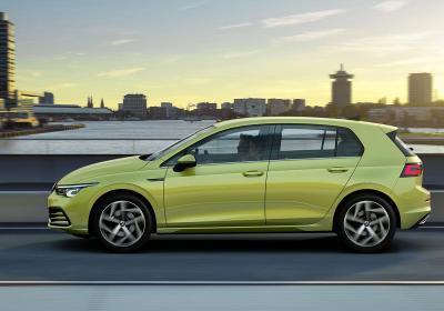 Volkswagen Golf 1.0 eTSI DSG, il test della media per antonomasia ibrida