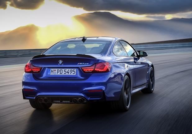 BMW M4 CS tre quarti posteriore