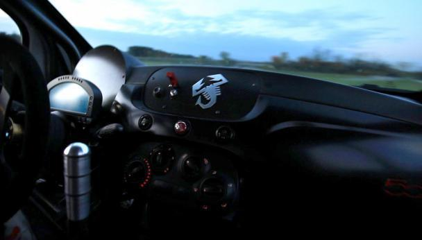 Abarth 500 Assetto Corse interno