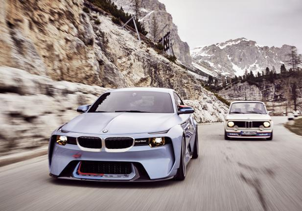 BMW 2002 Hommage frontale