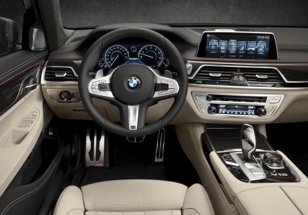 BMW 760 Li interni