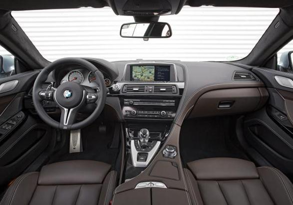 BMW M6 Gran Coupé con Competition Package interni