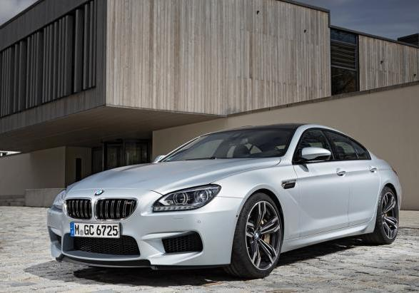 BMW M6 Gran Coupé con Competition Package tre quarti anteriore