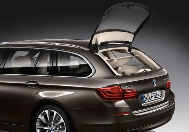 BMW Serie 5 Touring restyling apertura parziale portellone