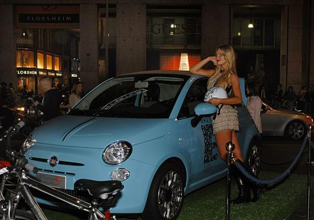 Fiammetta Cicogna e la Fiat 500 TwinAir al Vogue Fashions Night Out