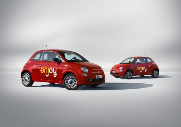 Fiat 500 Enjoy tre quarti anteriore
