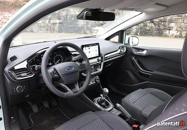 ford fiesta interni
