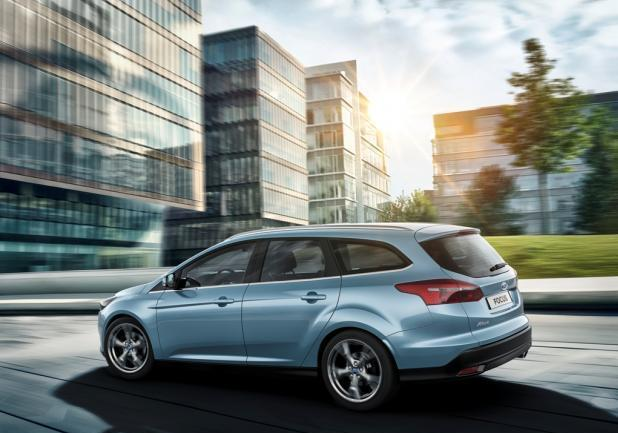 Ford Focus restyling 2014 station wagon profilo sx
