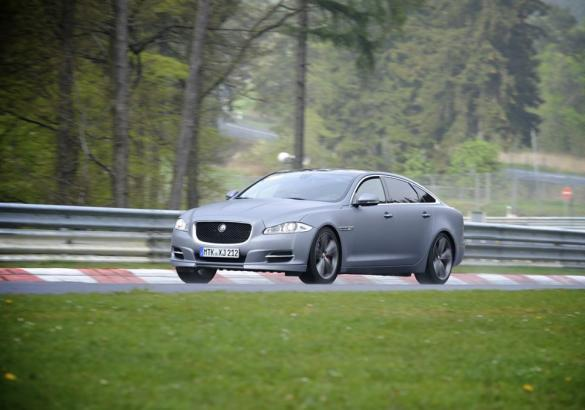 Jaguar XJ Supersport Ring-Taxi al Nurburgring profilo sinistro