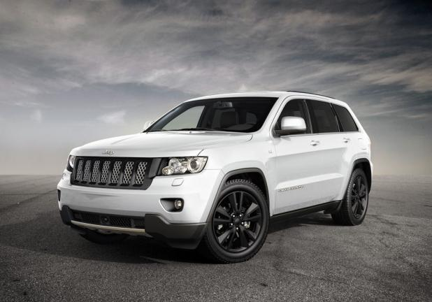 Jeep Grand Cherokee tre quarti anteriore