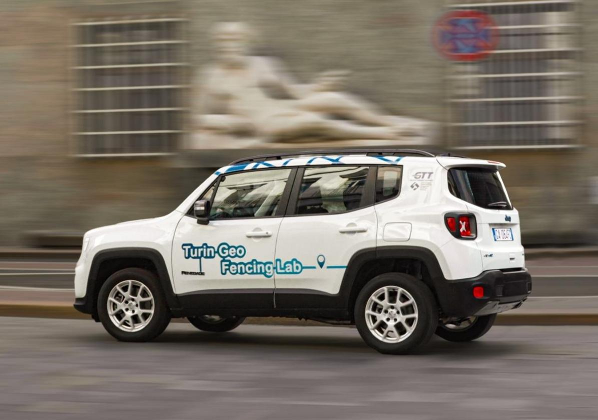 Jeep Renegade 4Xe geofencing lab 3