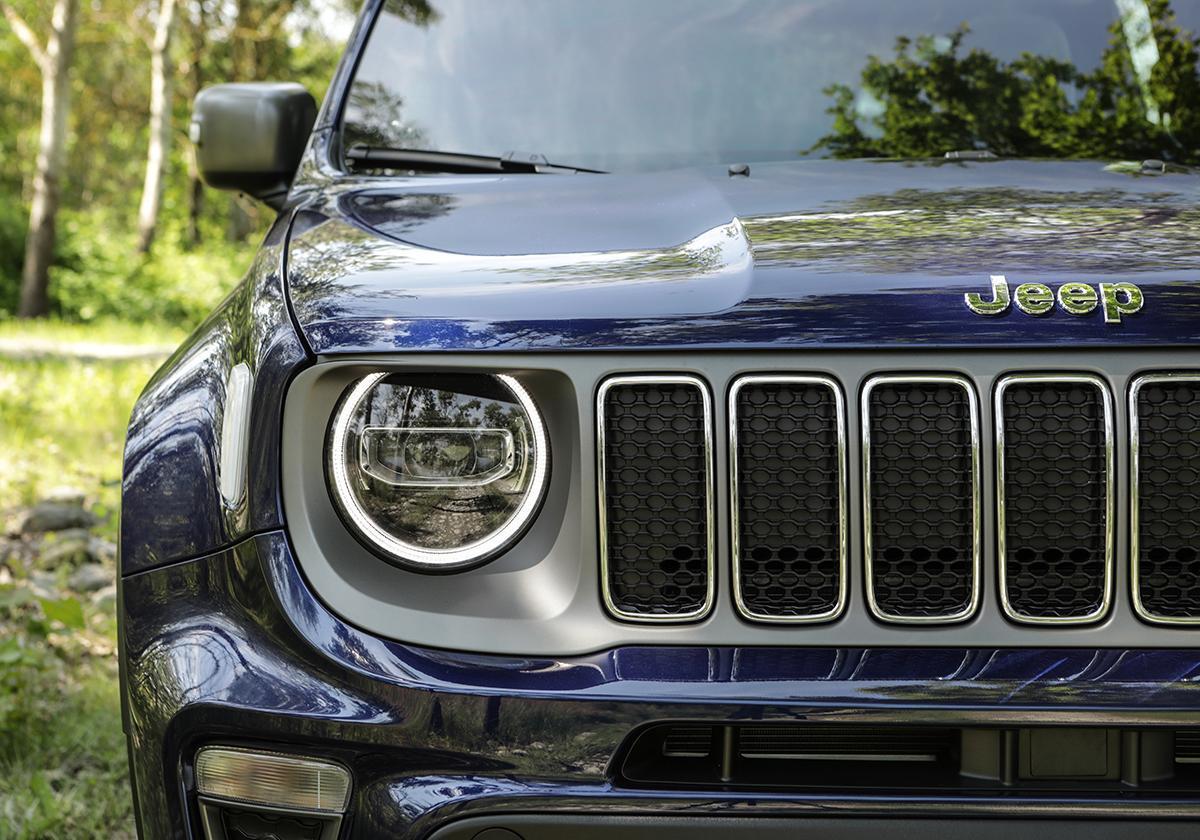 Jeep renegade my 2019 primo contatto con la piccola for Fari led per interni