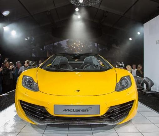 McLaren MP4 12-C Spider a Pebble Beach anteriore