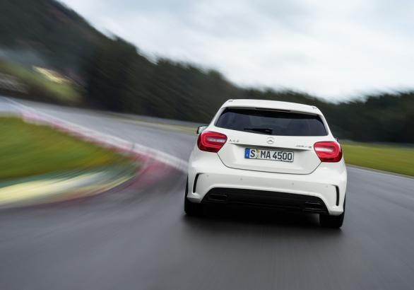 Mercedes A 45 AMG posteriore