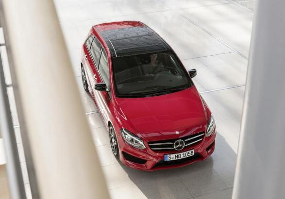Mercedes Classe B restyling 2014 dall'alto
