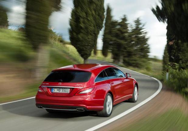 Mercedes CLS Shooting Brake rossa posteriore