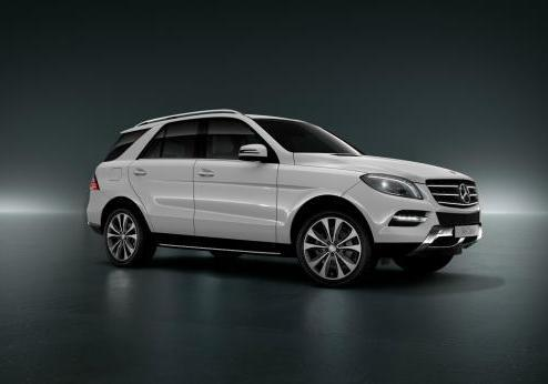 Mercedes ML Special Edition 16 tre quarti anteriore