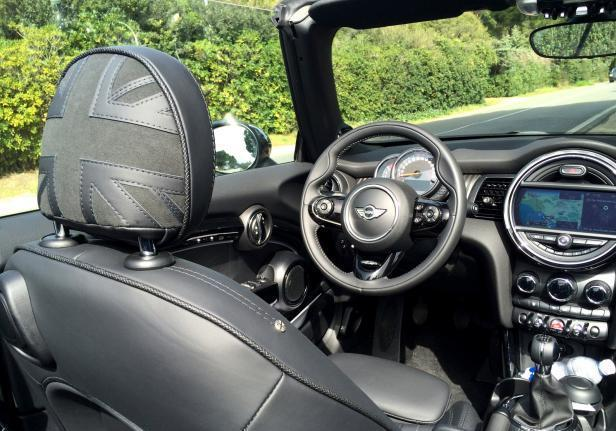 Mini Cooper D Cabrio interni