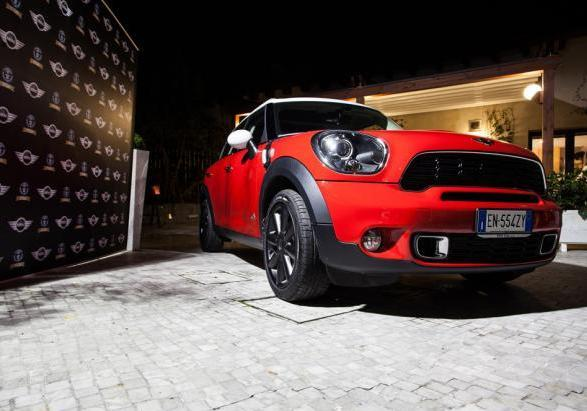 ?Mini goes to Santa Claus? Mini Countryman dal basso