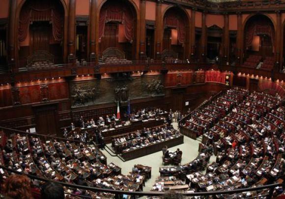 Mini riforma del codice della strada patentati for News parlamento italiano