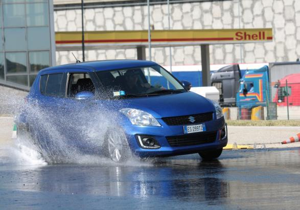 MotorOasi Suzuki Swift in sovrasterzo