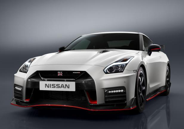 Nissan GT-R NISMO frontale