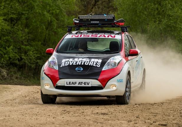 Nissan Leaf Mongol Rally frontale laterale