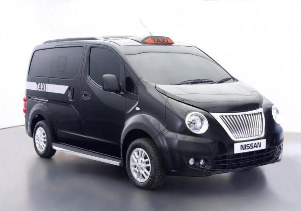 Nissan NV200 London Taxi tre quarti anteriore