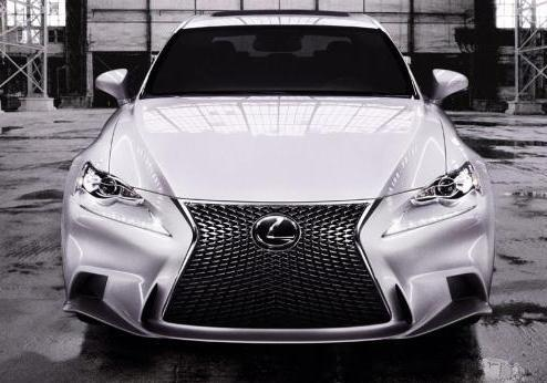 Nuova Lexus IS 2013 anteriore
