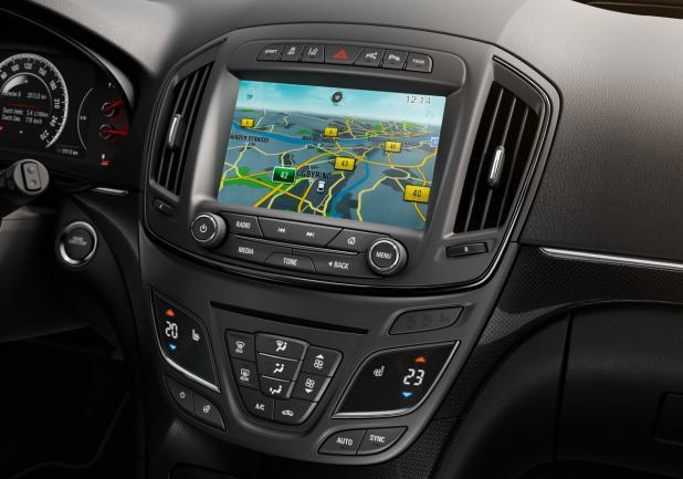 Nuova Opel Insigna restyling schermo touch screen