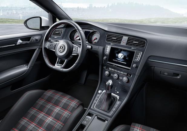 foto nuova volkswagen golf gti interni patentati. Black Bedroom Furniture Sets. Home Design Ideas