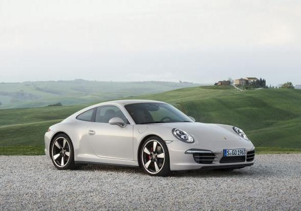 Porsche 911 50 Years Edition tre quarti anteriore lato destro
