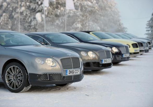 Power on Ice 2013 Bentley Continental GT in fila