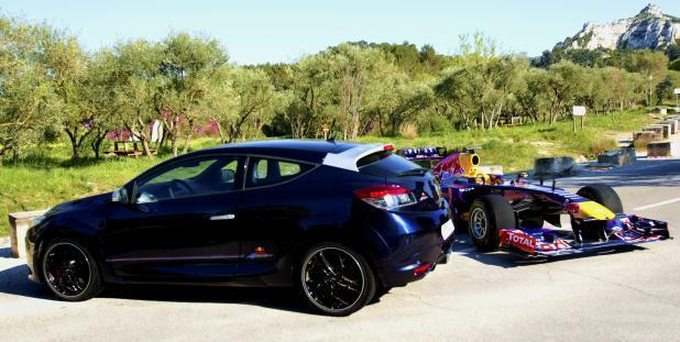 Renault Mégane RS Red Bull Racing RB8 con RB9 F1