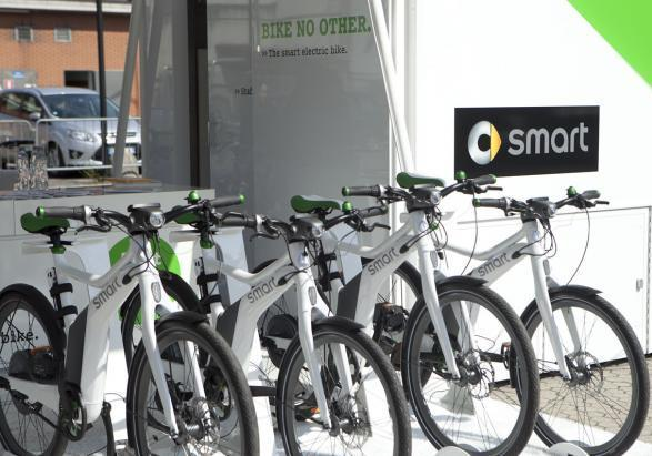 Smart ebike in carica
