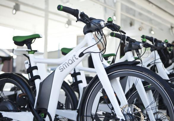 Smart ebike foto tre quarti
