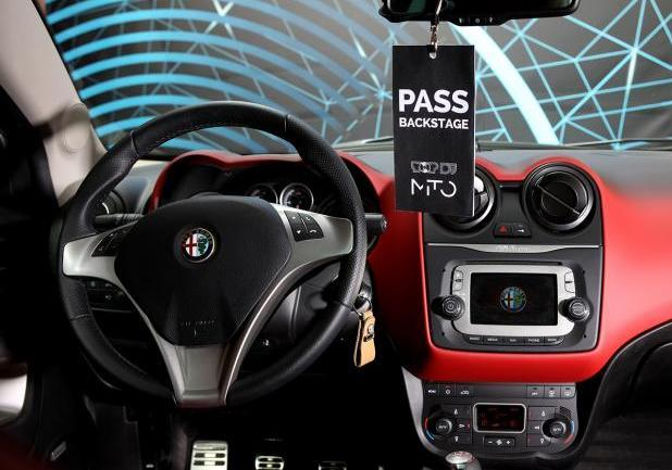 Talent TOP DJ Alfa Romeo MiTo plancia