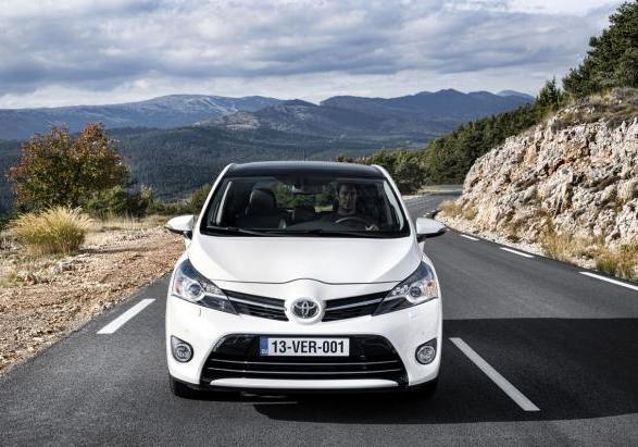 Toyota Verso restyling 2013 anteriore