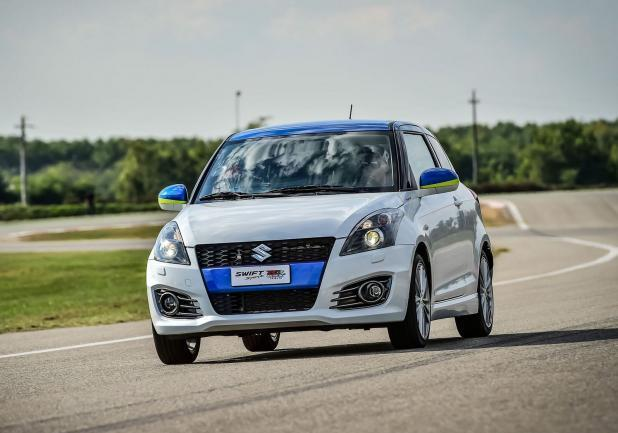 Suzuki Swift GSX-RR Tribute frontale