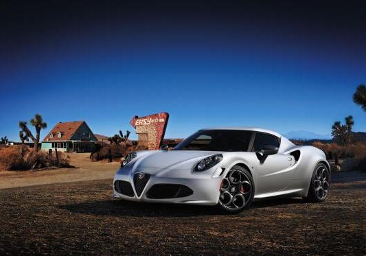 Alfa Romeo 4C Lounch Edition tre quarti anteriore