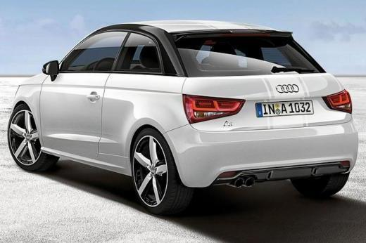 Audi A1 Amplified Red tre quarti posteriore