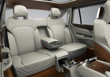 Bentley EXP 9 F Concept abitacolo