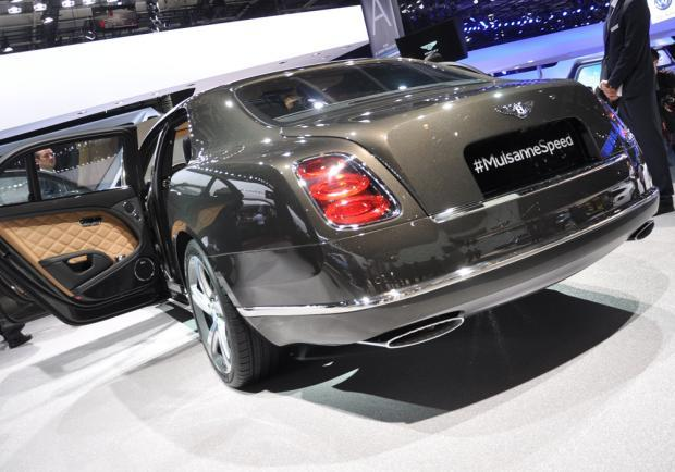 Bentley Mulsanne Speed posteriore al Salone di Parigi 2014