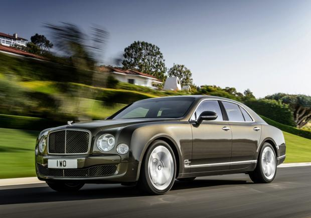 Bentley Mulsanne Speed tre quarti anteriore