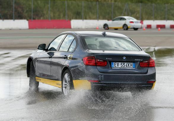 BMW Driving Experience sovrasterzo